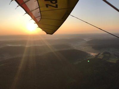 Sonnenaufgang aus der Luft